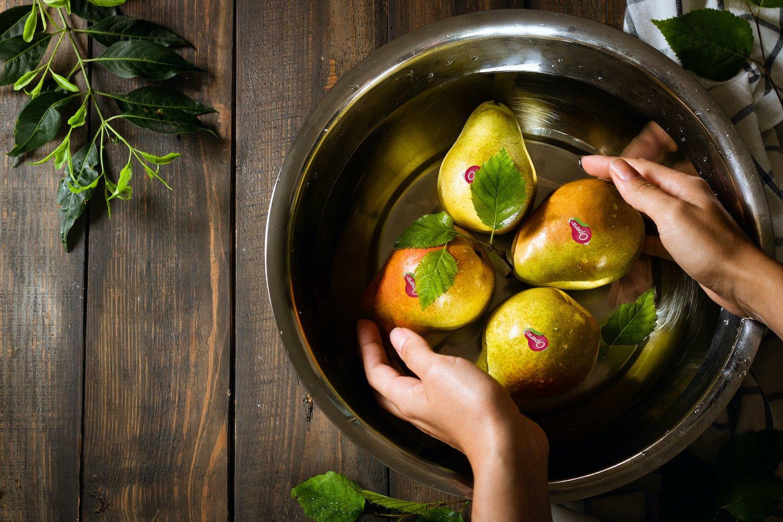 Come disinfettare la frutta: Amuchina, bicarbonato o aceto servono davvero?