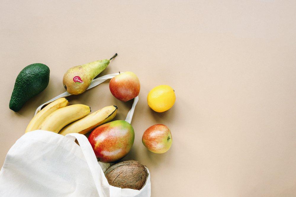 Frutta di stagione in primo piano
